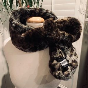 Fun faux fur neck scarf from FRAAS